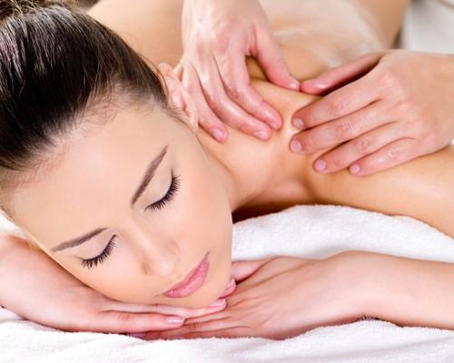Massage du dos et soin du corps